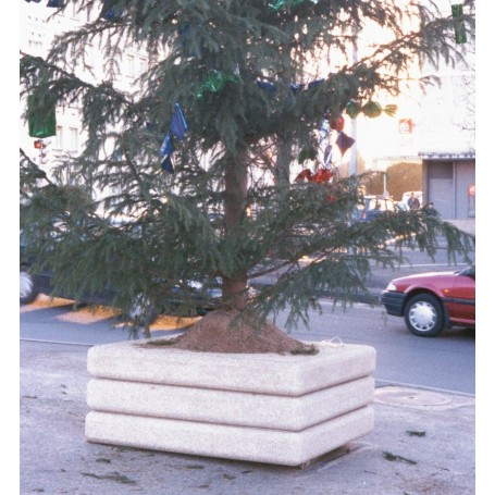 Socle empilable pour sapin