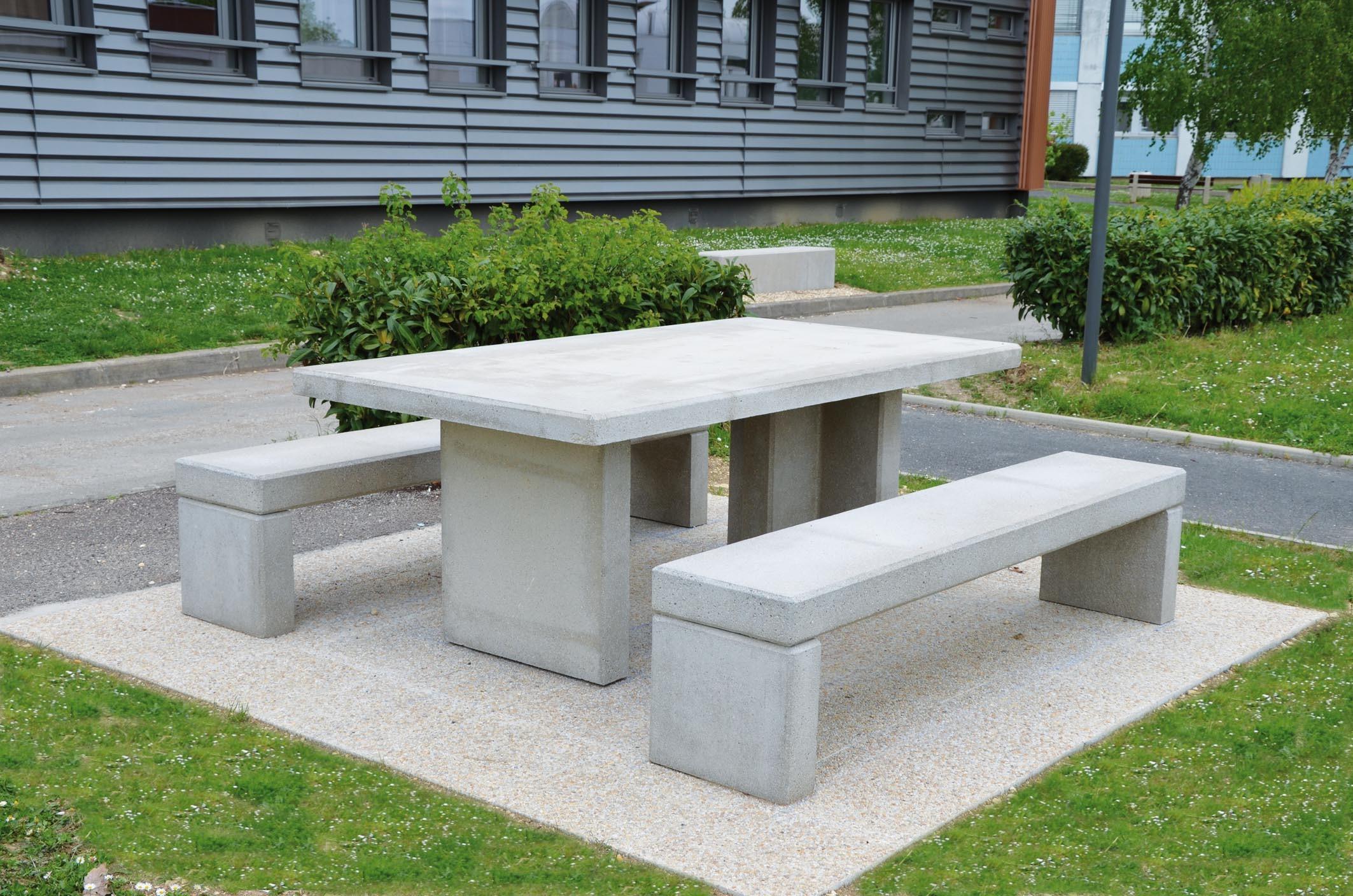 luxe table pique nique enfant id es de salon de jardin. Black Bedroom Furniture Sets. Home Design Ideas