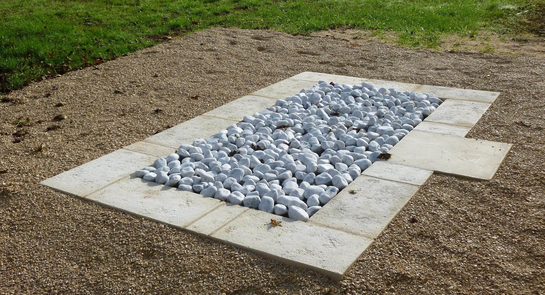St¨le funéraire Jardin du Souvenir en béton forme droite