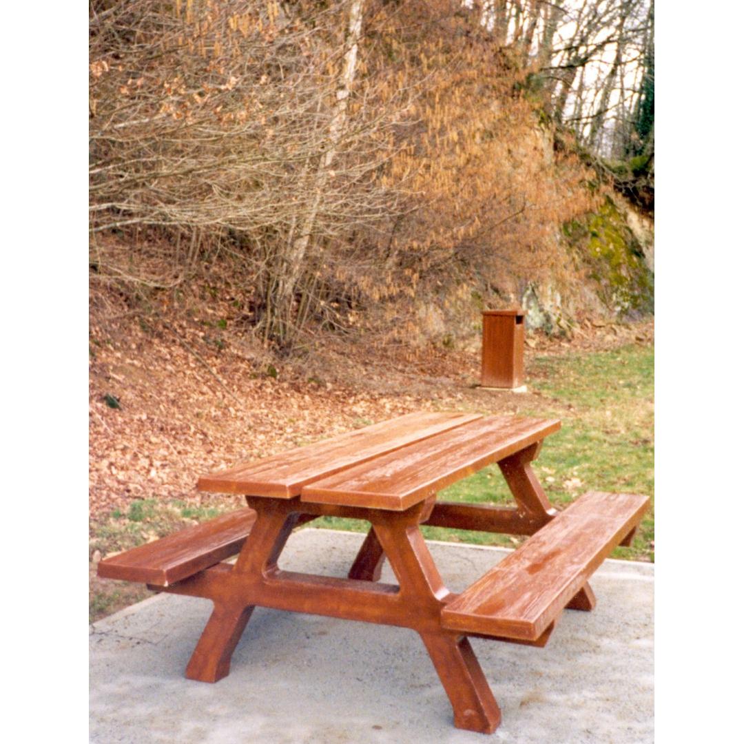 Table forestière aspect bois TABA200F